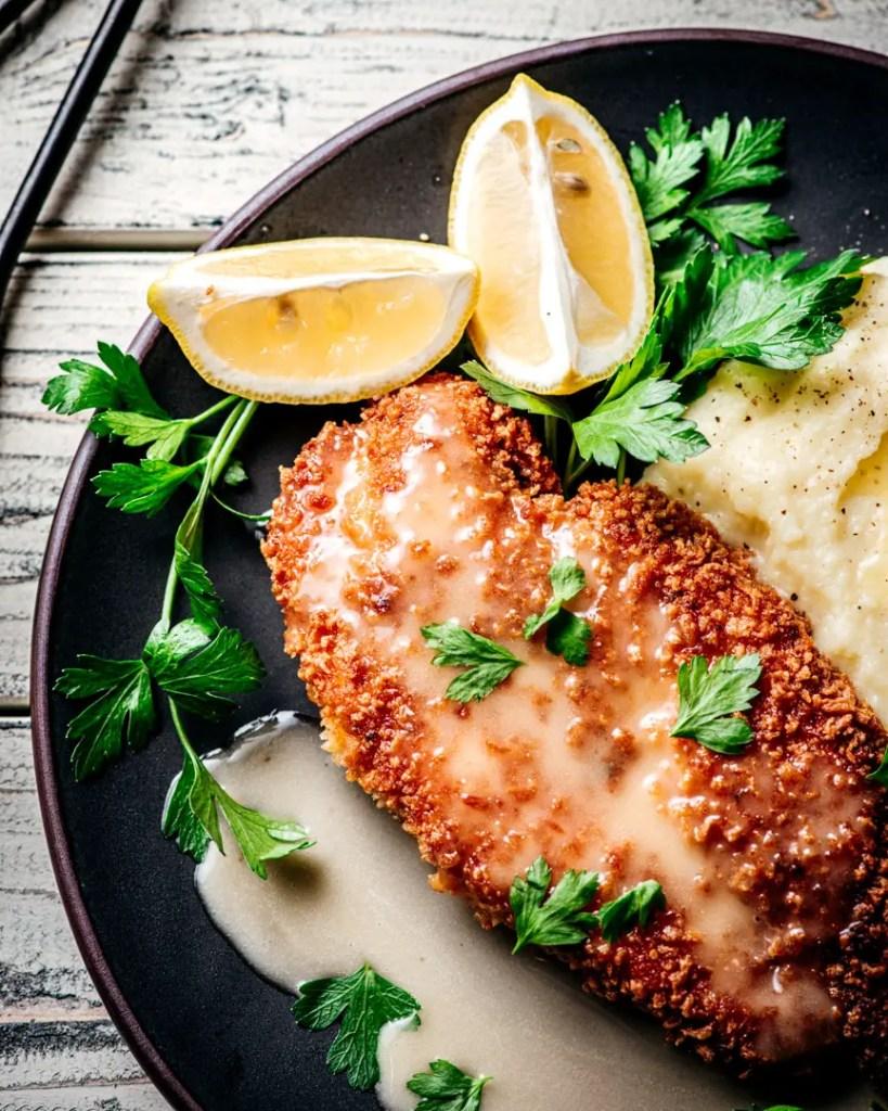 Crunchy Chicken with White Wine Lemon Butter Sauce