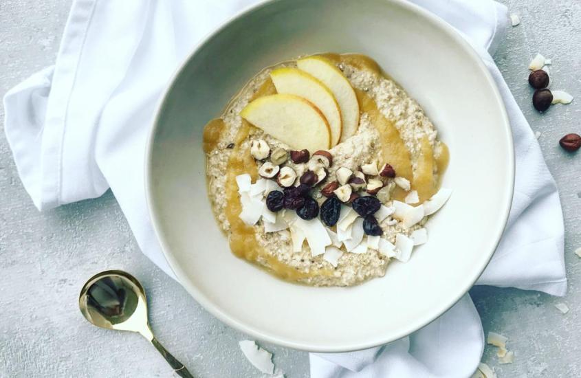 Porridge mit Apfelmus