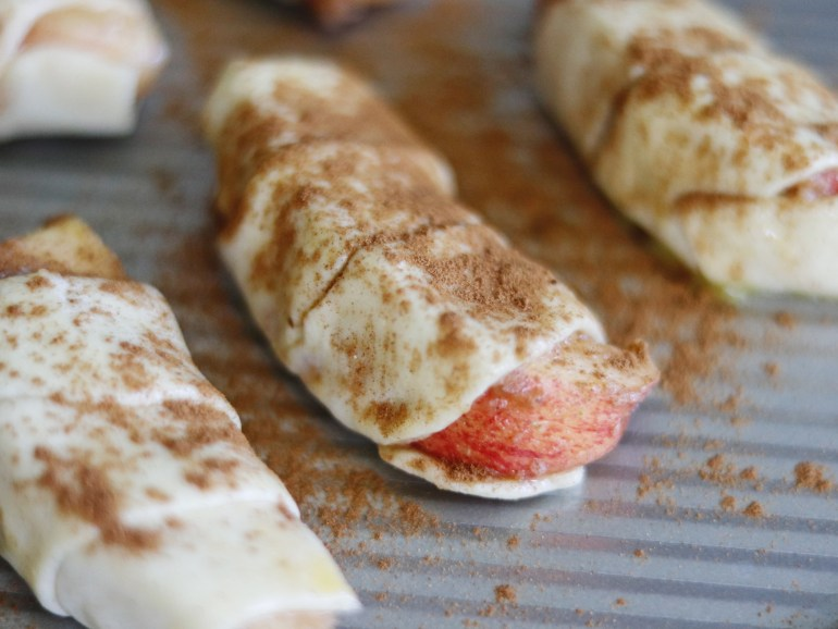 Recipe | Cinnamon-Sugar Apples in a Blanket | cookithealthier.com