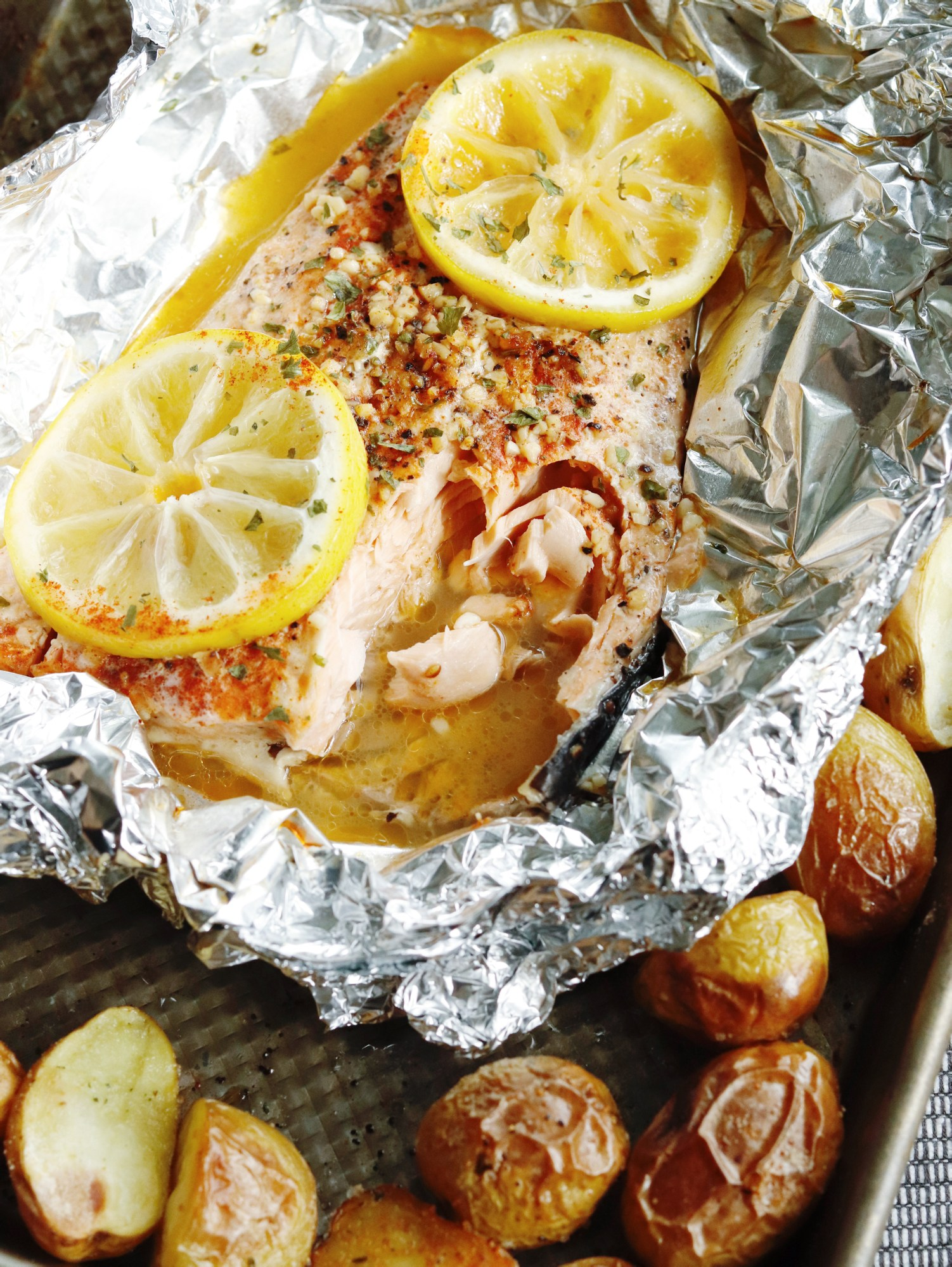 RECIPE | Everyday Easy Lemon Garlic Baked Salmon | cookithealthier.com