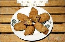 Cheeseburger κρουασανάκια https://cookleit.wordpress.com/2014/02/11/139/