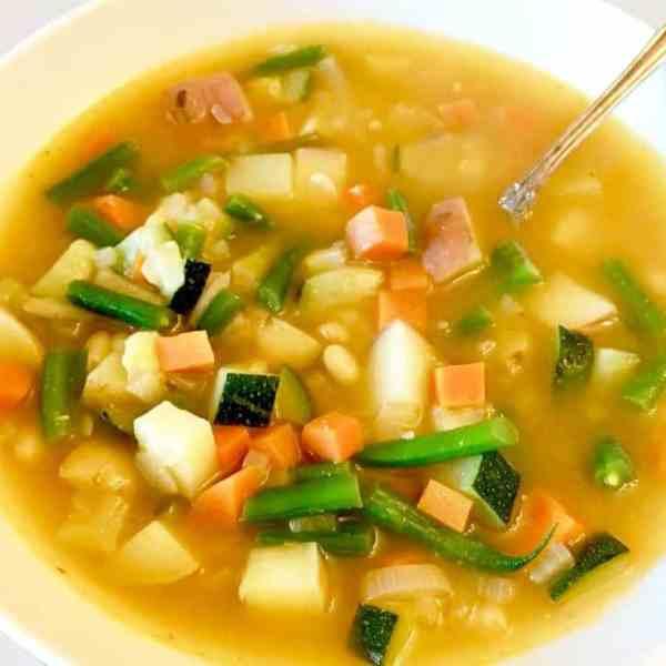 Soupe Au Pistou (Provençal Vegetable Soup with Tomato-Basil Pesto)