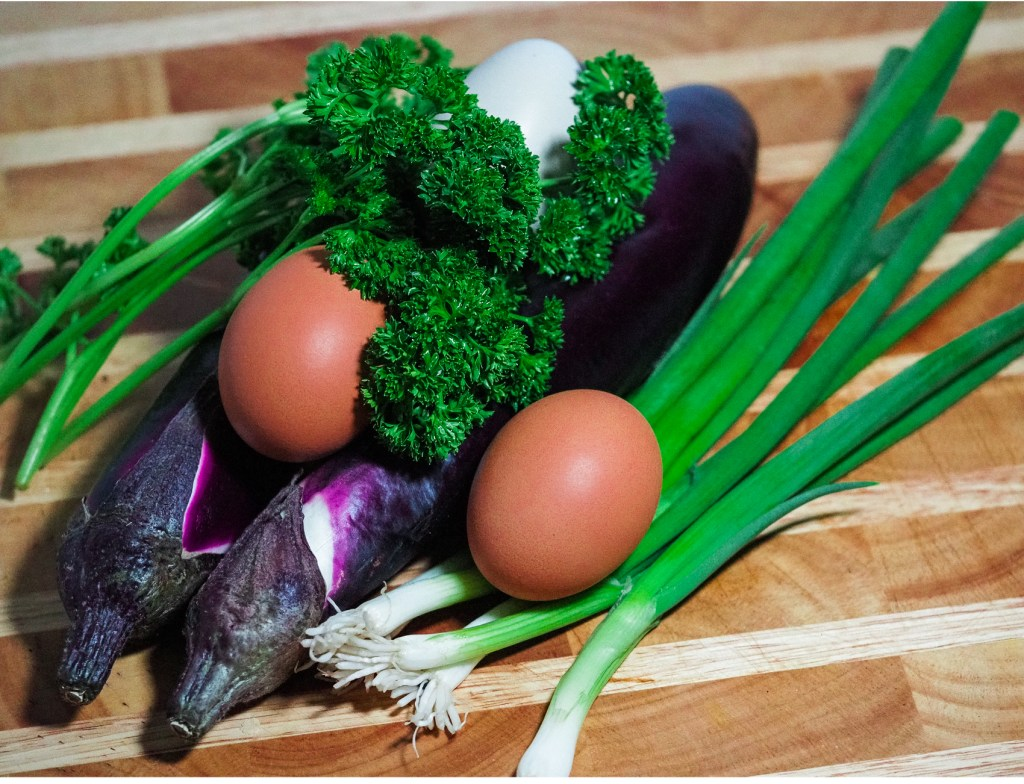 2 Japanese eggplant, 4 stem of scallions, 3 large eggs and a few stems of curled parsley