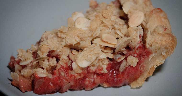 How to Make The Best Strawberry – Rhubarb Pie Crisp