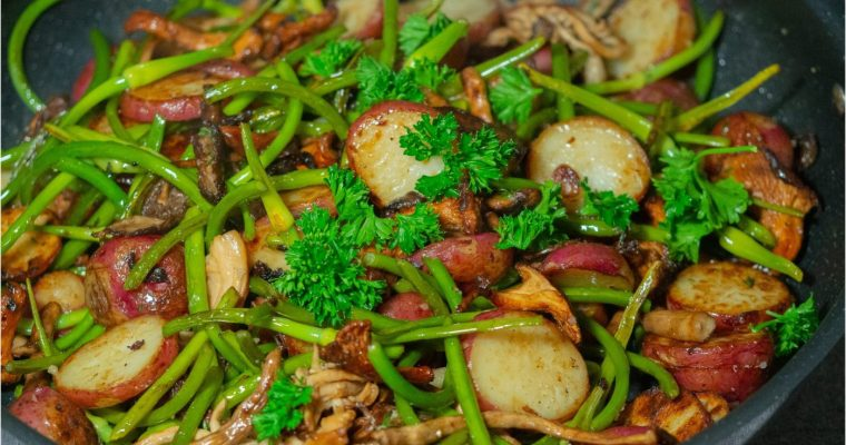 How to make a sauteed healthy garlic scape?
