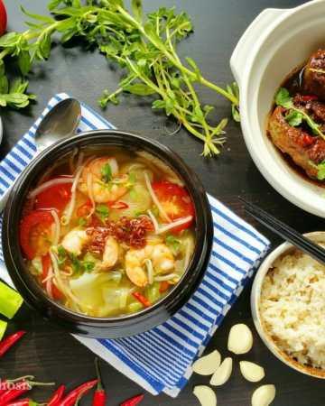 Hot & Sour Shrimp Soup (Canh Chua Tom)