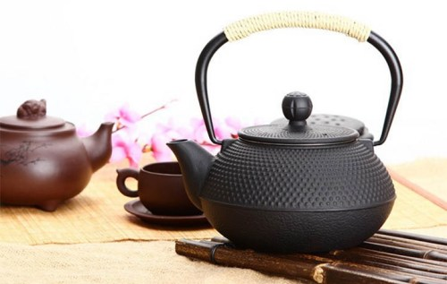 cast iron tea kettle