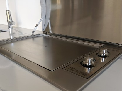 Stainless steel Infinity Teppanyaki BBQ with flat plate