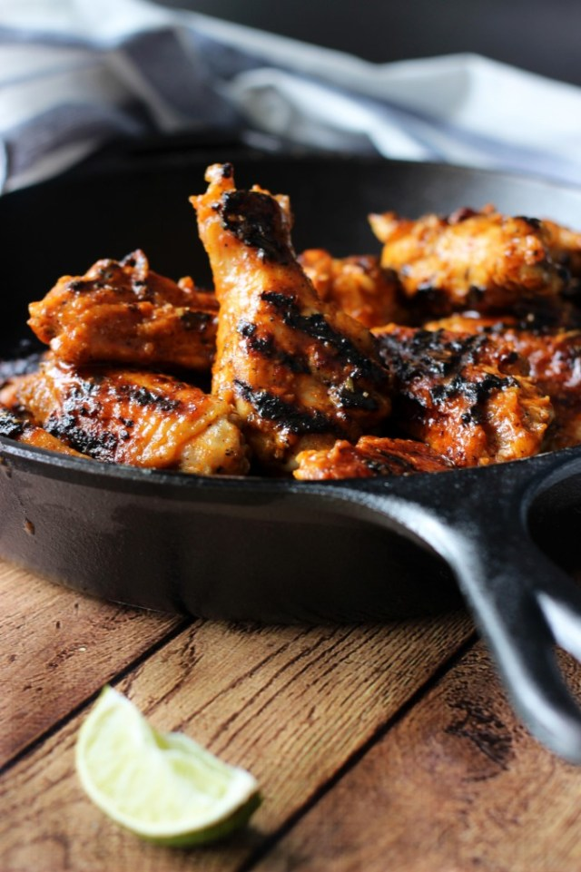 Grilled sriracha hot wings recipe