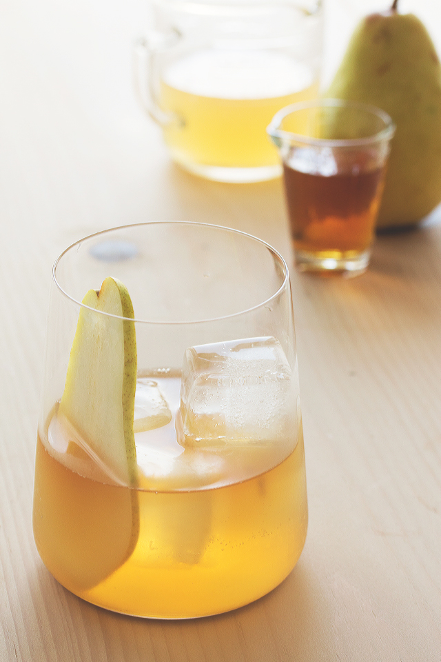 pumpkin.spiced.bourbon.and_.pear_.cocktail.6.2