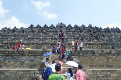 Borobudur temple main entrance