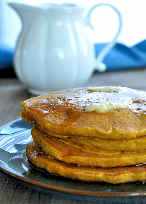 quick-and-easy-pumpkin-pie-spice-pancakes-v