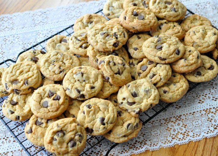 Possibly the Best Chocolate Chip Cookies b