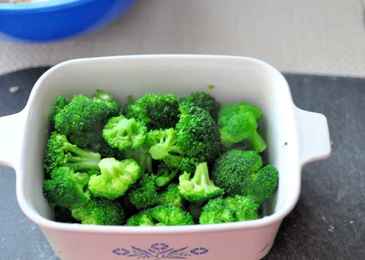 cooked broccoli