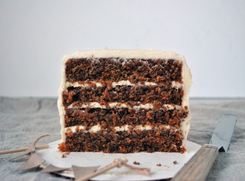 mini carrot cake cut