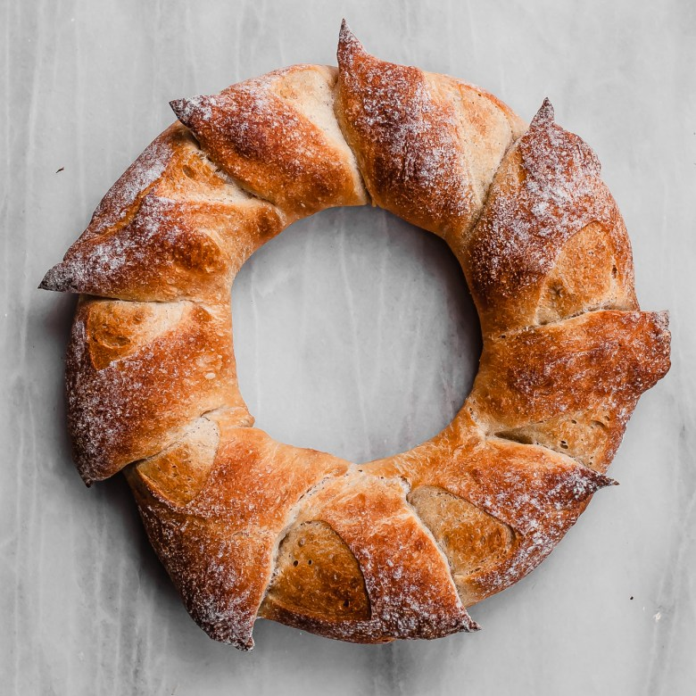 sourdough epi wreath