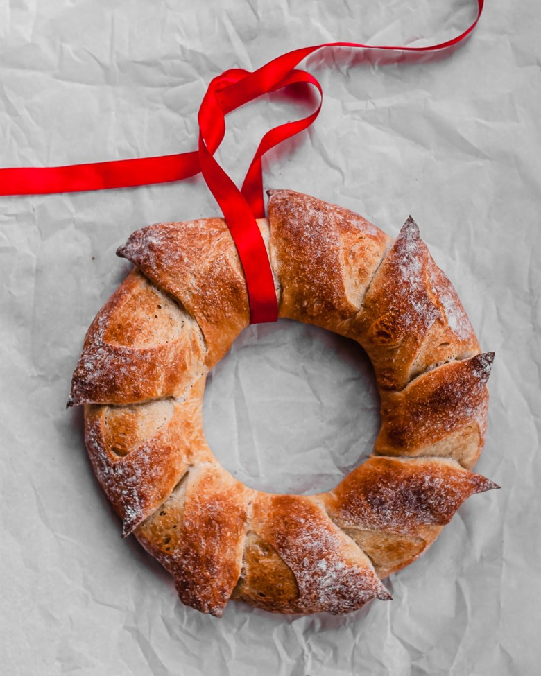 sourdough epi wreath with ribbon