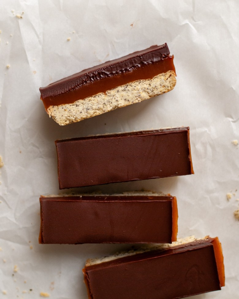 earl grey caramel slice slabs