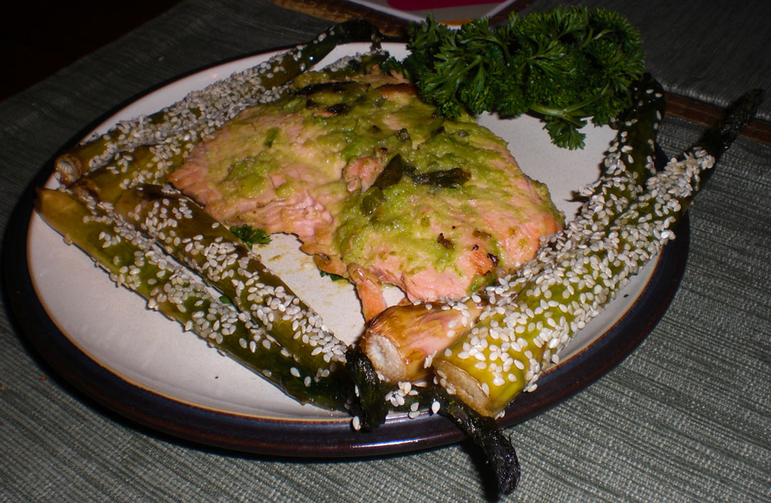 salmon-avocado-butter-served-3