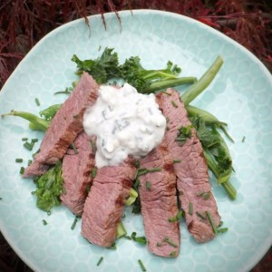 Steak with whiskey and blue cheese