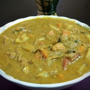 Vegetable curry with coconut (Vegetable Kurma)