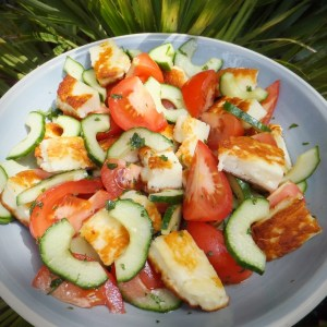 Tomato, cucumber and halloumi salad
