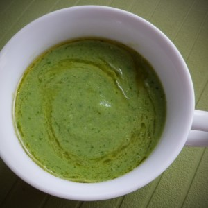 Quick & easy green pea soup