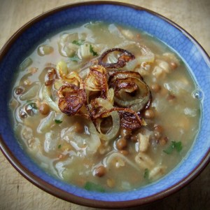 Spiced onion soup with barley and lentil