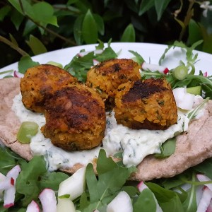 Spiced courgette falafels