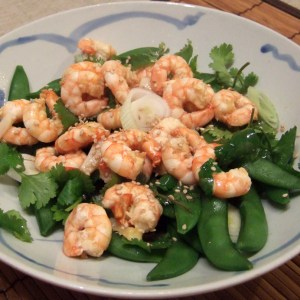 Steamed spiced prawns with sugarsnaps