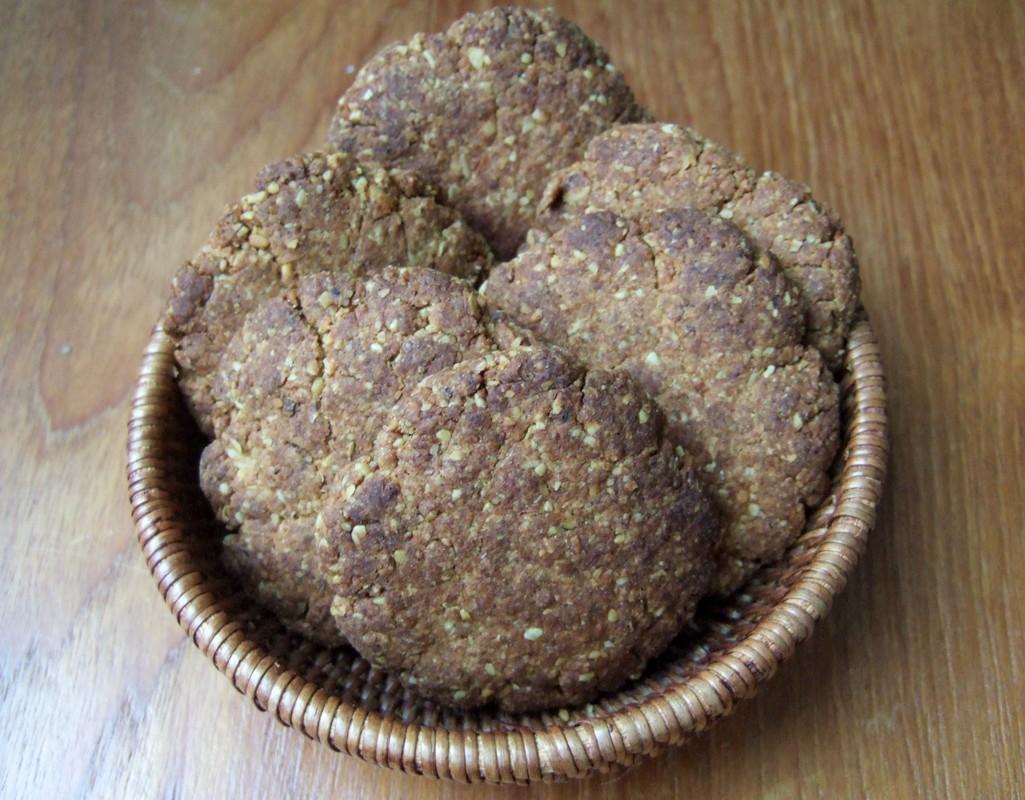 Walnut oatcakes