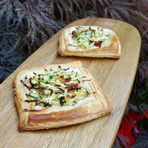 Courgette and chilli tartlets
