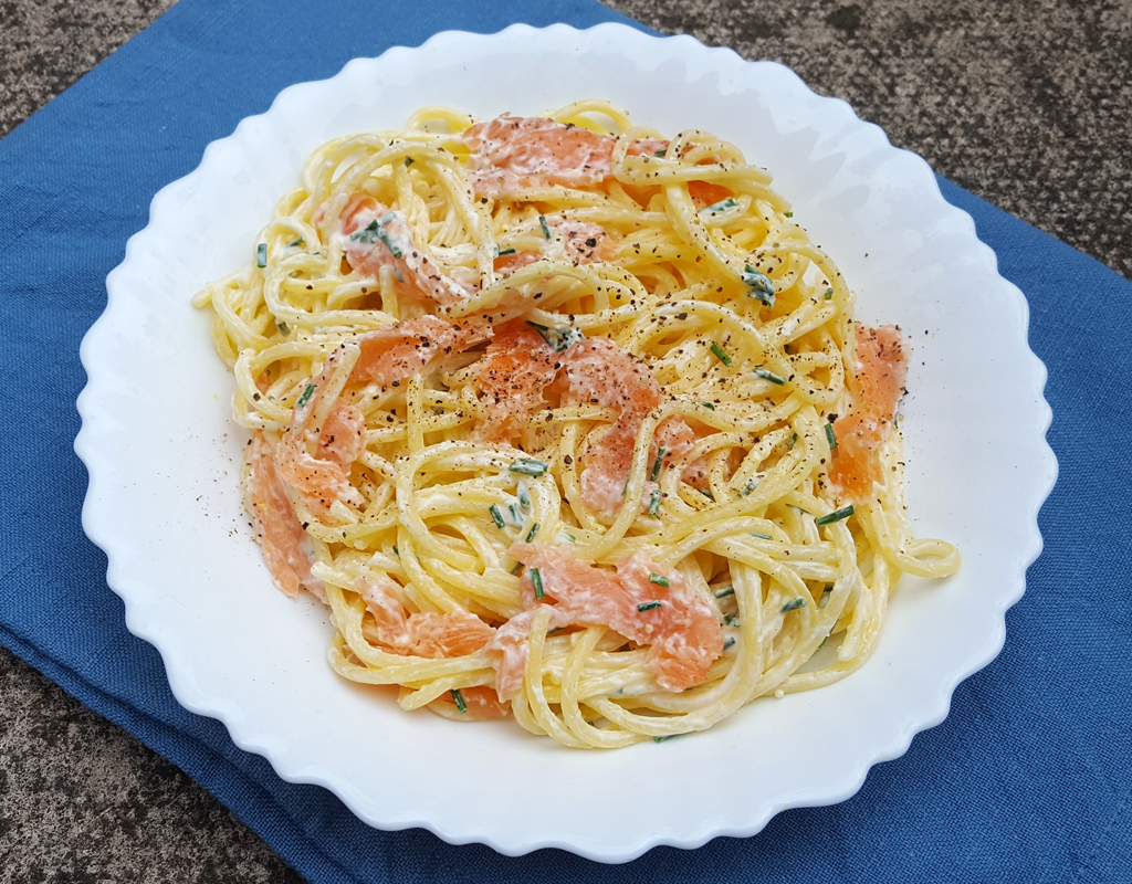 Smoked salmon and lemon pasta