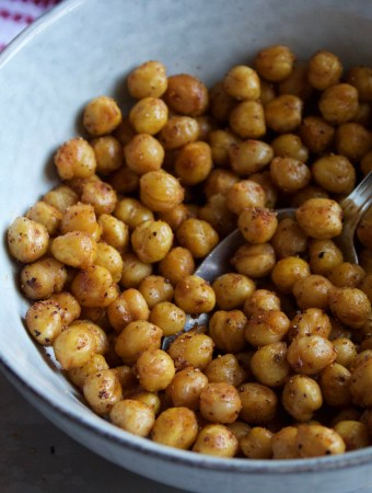 Spiced 'n Roasted Chickpeas