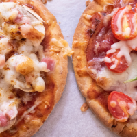 2 Pita Bread Mini Pizza Recipes : Quick and Easy Brunch Recipe