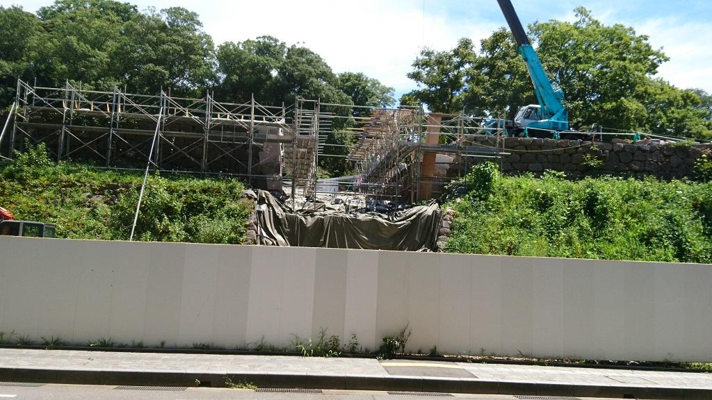 復元工事中の鼠多門