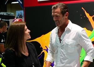 Kim Hull chatting with Mario Cipollini