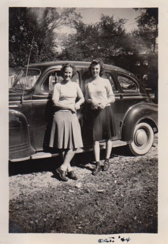 Eleanor Phillis Baird and Evelyn Phillis Faulkner, Oct 1944
