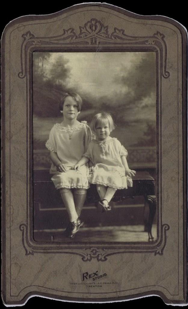 Winifred Louise Hooper family photos - 2 girls