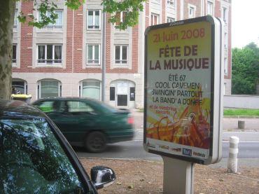 Affiches visibles partout dans Douai avant le 21 juin.