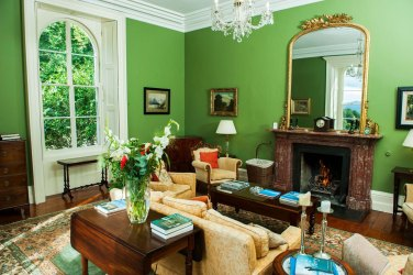 Green setting room