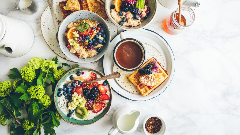 what to eat with coffee for breakfast