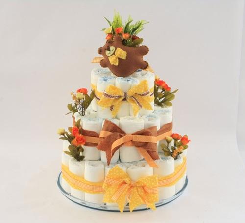 DIY Diaper Cake For Baby Shower