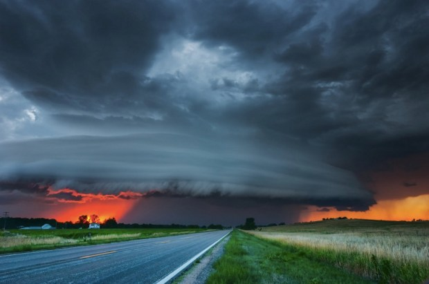 Severe Sky Photography of Storm Chaser Mike Hollingshead