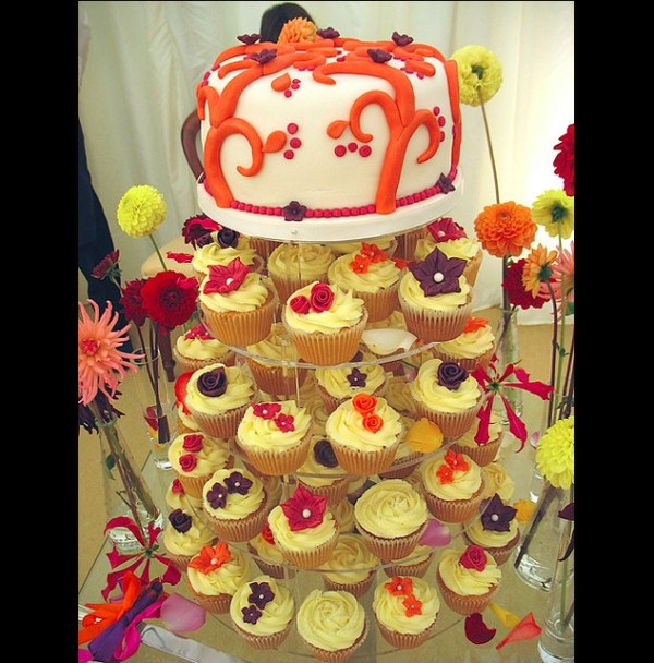 Cup cakes cake