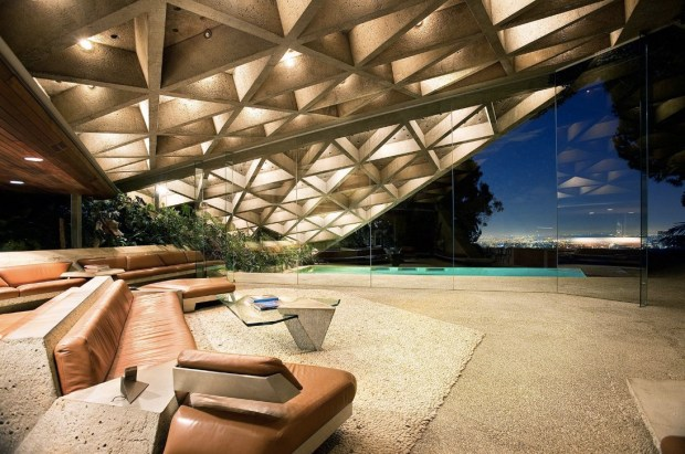 the-living-room-of-the-sheats-goldstein-residence-in-la