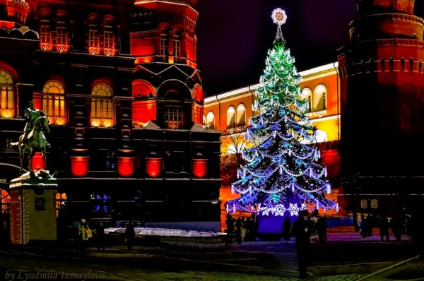 Christmas tree in historical center of Moscow
