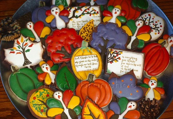 Colorful thanksgiving cookies