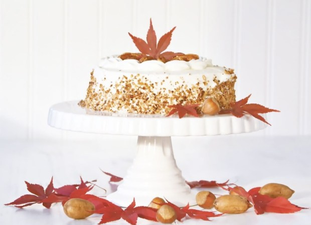 pecan-maple-frosted-cake