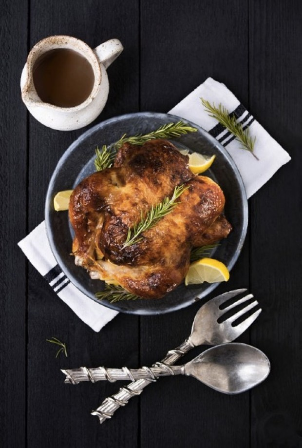 roasted-chicken-dinner-and-table-setting